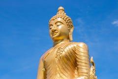 Stor Buddha i den blåa himlen Phuket thailand Arkivfoto