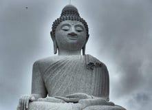 Stor Buddha i grå färger Arkivfoton