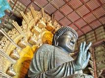 Stor Buddha i tempel av Nara i Japan Royaltyfri Fotografi