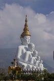 Stor Buddha på den Phasornkaew templet Arkivfoton