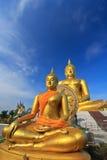 Stor Buddha på Wat Muang, Thailand Arkivfoto