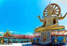 Stor buddha staty i Koh Samui Arkivbild