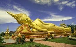 Stor Buddhastaty i Laos Royaltyfria Bilder