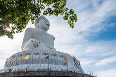 Stor Buddhastaty i Phuket Royaltyfri Fotografi
