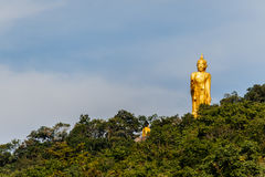 Stor Buddhastaty på berget i Nong Bua Lam Phu, Thailand Arkivbild