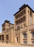 Stor byggnad av solen (hycklar ol Emareh), i den Golestan slotten (Iran) Royaltyfria Foton