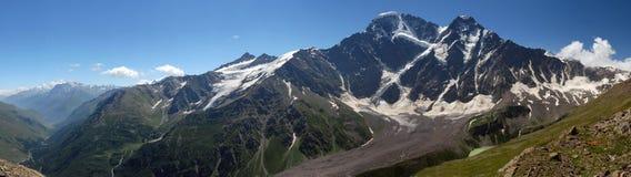 stor caucasus glaciär sju Arkivfoton