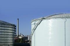 stor chemical behållare för petrol för behållareindustriolja arkivbilder