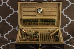 Stor cigarrHumidor 2 Arkivbilder