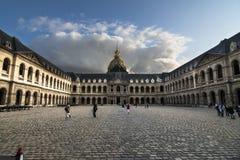 Stor domstol av det Les Invalides komplexet Royaltyfria Bilder