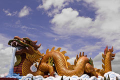 stor drakestaty Arkivfoton