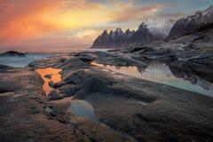 Stor dramatisk himmel, Seascape, landskap Lös nordlig natur Fotografering för Bildbyråer