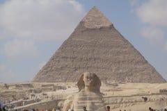 Stor enorm sommar för egyptisk pyramid Arkivbilder