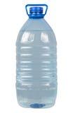 Stor flaska av smutsigt vatten på vit Arkivfoton