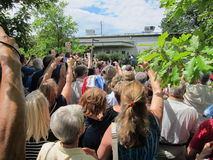 Stor folkmassa av supportrar Royaltyfri Foto