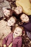 Stor grupp av barn royaltyfri fotografi