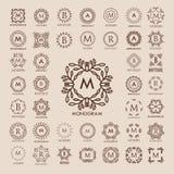 Stor grupp av enkla och eleganta monogramdesignmallar för lyx, Arkivfoto