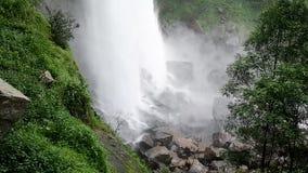 Stor härlig vattenfall lager videofilmer