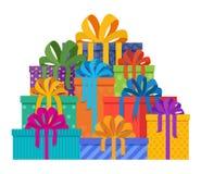 Stor hög av julgåvor i feriepackar med kulört papper och bowknots stock illustrationer