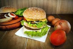 Stor hamburgare Royaltyfri Fotografi