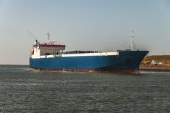 Stor havslastfartygsegling till och med Nordsjönkanalen fotografering för bildbyråer