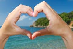 Stor hjärta från händerna Royaltyfria Bilder