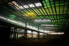 Stor industriell korridor under konstruktion arkivbild