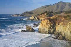 stor Kalifornien central kustmonterey sur Arkivbild