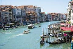 Stor kanal och gondoler Royaltyfria Foton