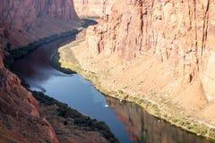 Stor kanjon, liten flotte Royaltyfria Foton