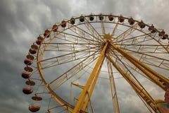 Stor karusell som colloquially kallas ferrishjulet royaltyfri bild