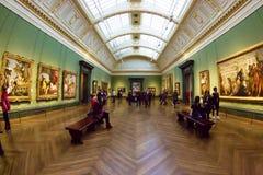 Stor korridor av National Gallery, London royaltyfri foto