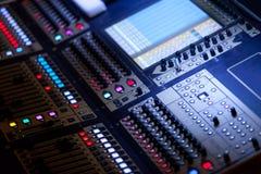 Stor ljudsignal blandande konsol Arkivfoton