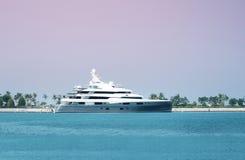 stor lyxig yacht Fotografering för Bildbyråer