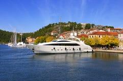 stor lyxig yacht Royaltyfria Bilder