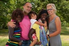 Stor mång- lycklig familj Arkivbilder