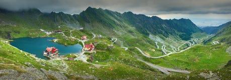 Stor panorama av den Transfagarasan vägen Arkivbild