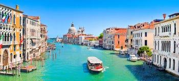 Stor panorama för kanal i Venedig, Italien arkivfoto