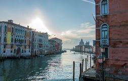 Stor panorama för kanal på soluppgång, Venedig, Italien Arkivfoton
