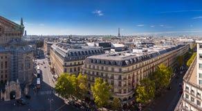 Stor panorama Paris, operan Garnier som för flyg- sikt söder-är västra Arkivfoto
