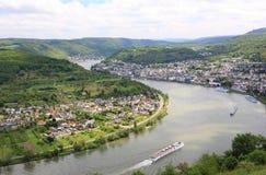 Stor pilbåge av Rhendalen nära Boppard, Tyskland. Arkivbilder