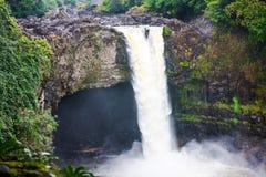 stor regnbåge för fallshawaii ö Arkivbild