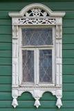 stor rostov Fönster med sned arkitrav Royaltyfria Foton