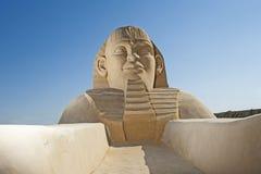 Stor sandskulptur av den stora egyptiska sfinxen Royaltyfria Bilder