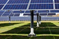 Stor sol- station på en klar dag royaltyfri foto