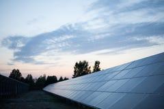 Stor solenergiväxt Arkivbild
