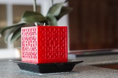 Stor stearinljus för röd fyrkant Royaltyfri Foto