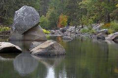 stor sten Arkivbilder