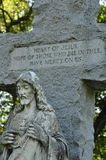 Stor sten Jesus Christ Statue med det inristade korset Fotografering för Bildbyråer