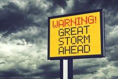Stor storm som varnar framåt tecknet Royaltyfria Bilder